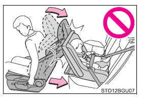 Toyota CH-R. Child safety